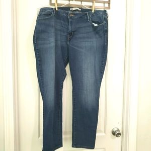 Levi Mid-rise skinny jeans size 22w